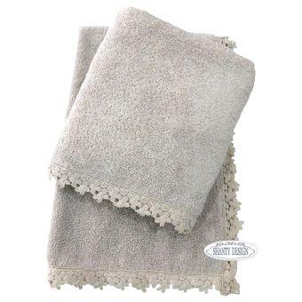 asciugamani grigio polvere shabby chic online in tessuto provenzale con bordo ad uncinetto