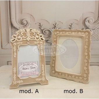 cornici per foto in legno bianco decapè in stile shabby chic con fiori e decori in stile provenzale online.