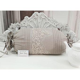 cuscino imbottito di colore ecru in lino e cotone shabby chic con ricami pizzo ad uncinetto provenzale online SONIA 2
